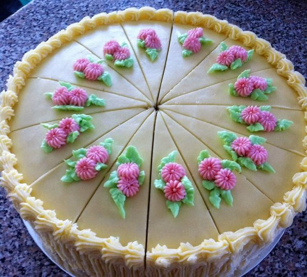 Divine Cakes-Confections Canberra