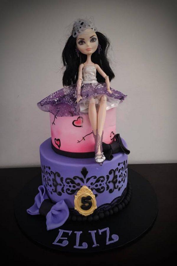 Carmel's Pink Suga Cakes