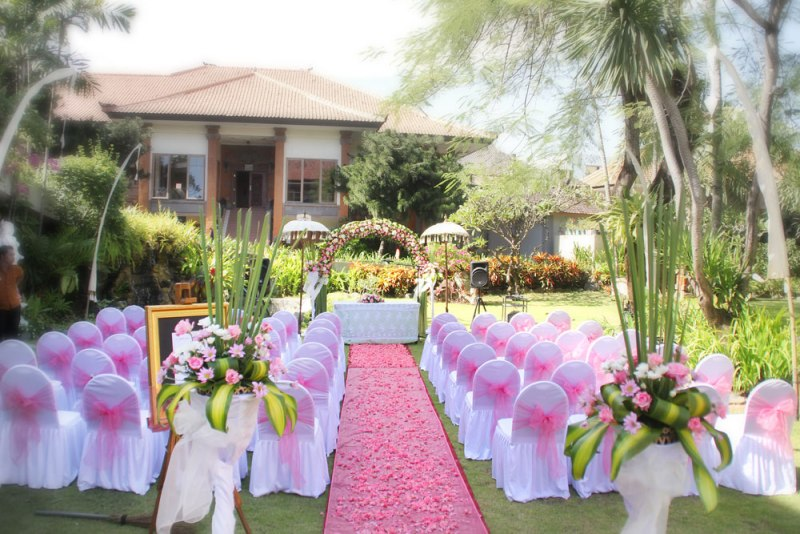 Lucky Bali Weddings