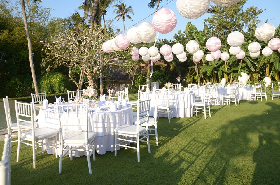 Sitting arrangements parties2weddings for Bali wedding decoration ideas