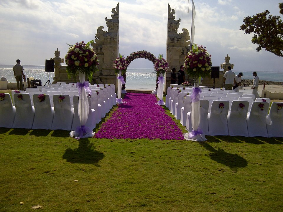 Venue decore parties2weddings for Bali wedding decoration ideas
