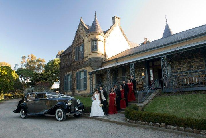 melbourne-Yarra-Valley-wedding-venue-Overnewton-Castle-unique-Chapel-Garden
