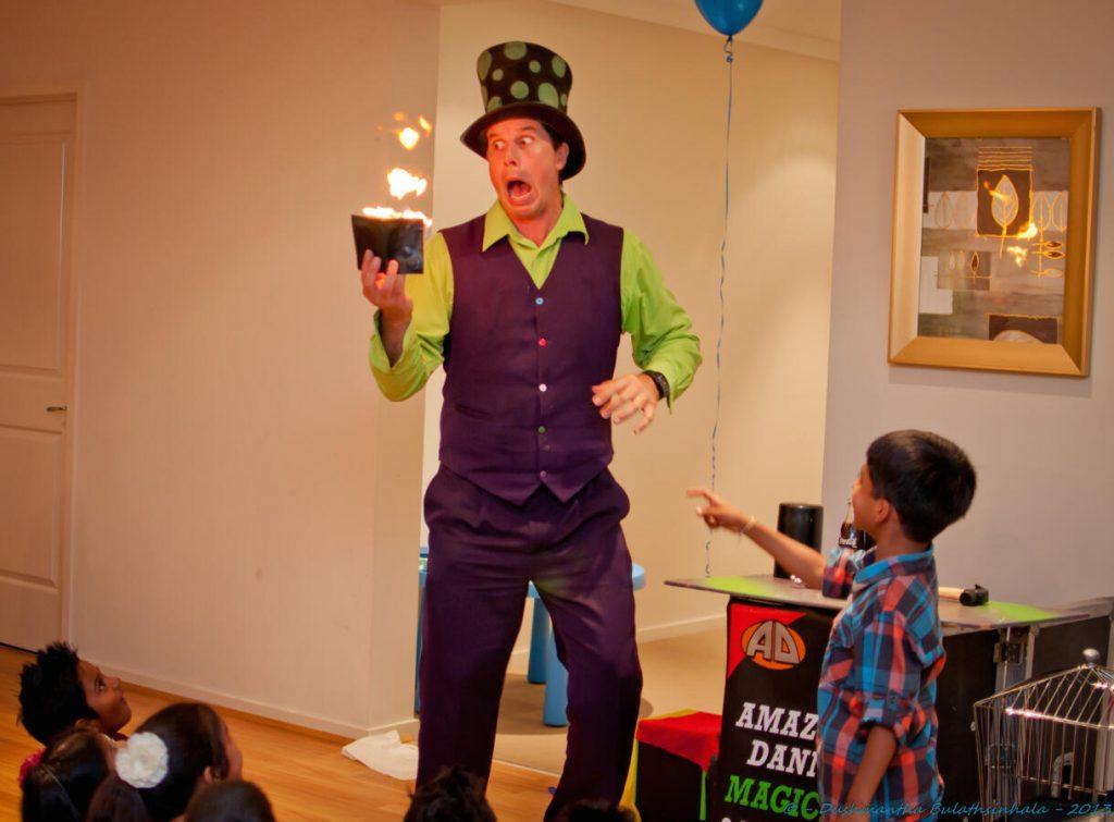 Melbourne-Magician-Kids-Entertainer-Amazing-Danny
