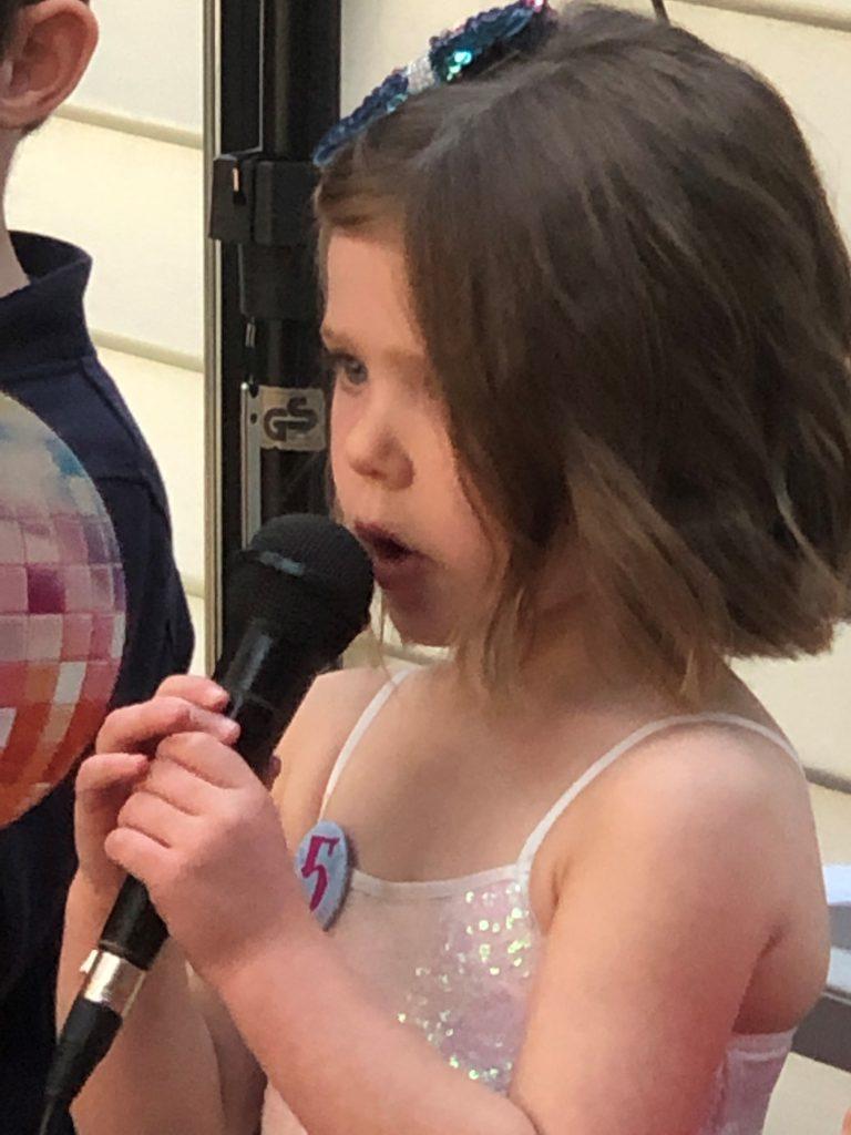 Victoria-Theme-Party-Disco-Kids-Entertainer-Bop-Till-You-Drop