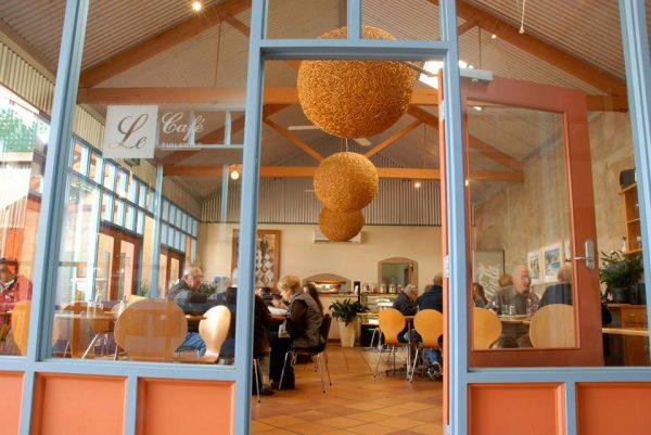 melbourne-Dandenong-Ranges-wedding-venue-Tuileries-Rutherglen-country-style-winery-garden