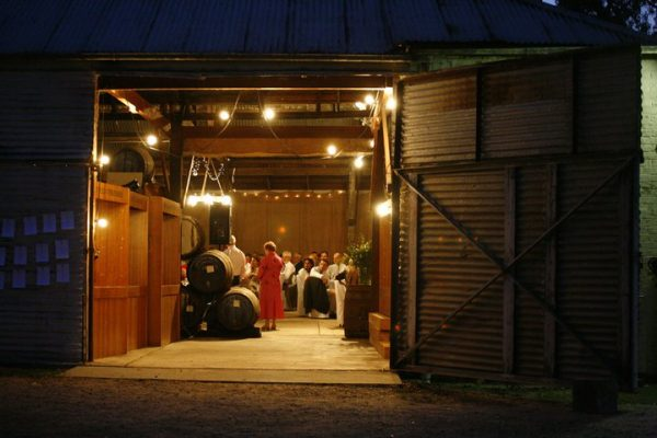 melbourne-Wahgunyah-wedding-venue-St-Leonards-Vineyard-country-style-winery-garden