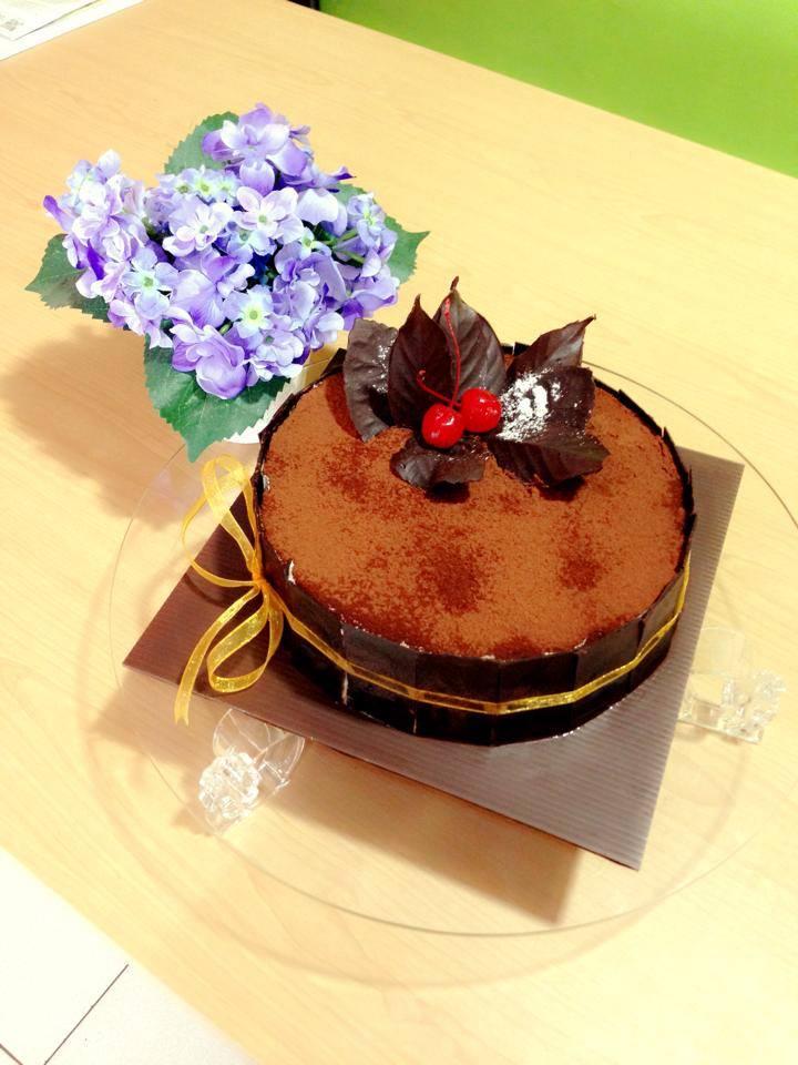 The Puris Cake