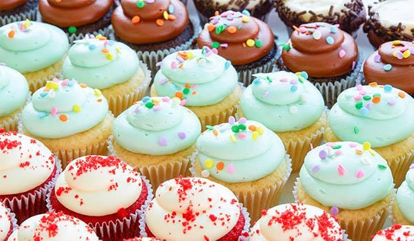 D-SweeThings Cupcake Cake