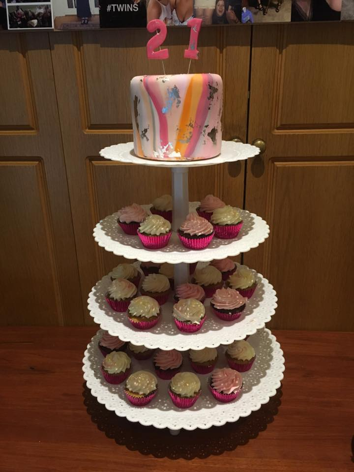Lucy Collins Cakes-Catering