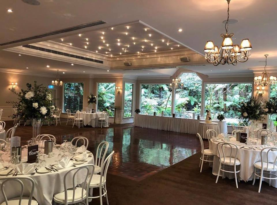 melbourne-Dandenong-Ranges-wedding-venue-Lyrebird-Falls-country-style-chapel-garden