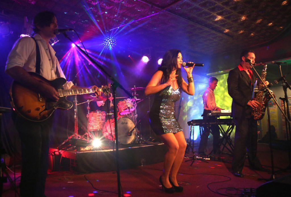 Wedding DJ and Band - Everyday People Band