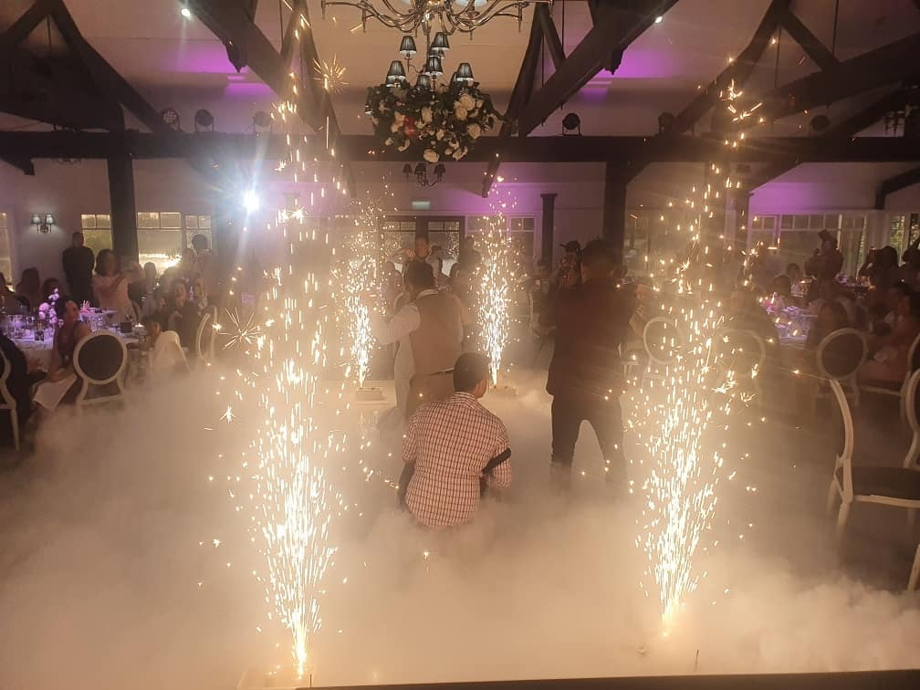 MJE Wedding DJ - Matt Jefferies Entertainment