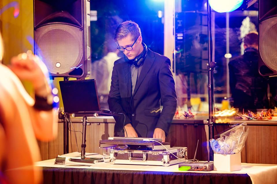 DJM Wedding DJ - DJ Masters
