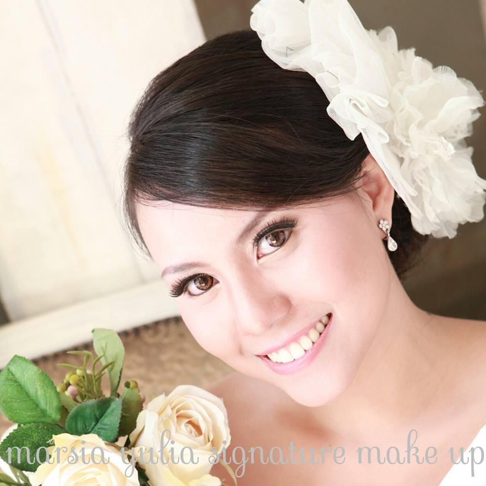 Marsia Yulia Signature MakeUp Natural-Korean Style MakeUp