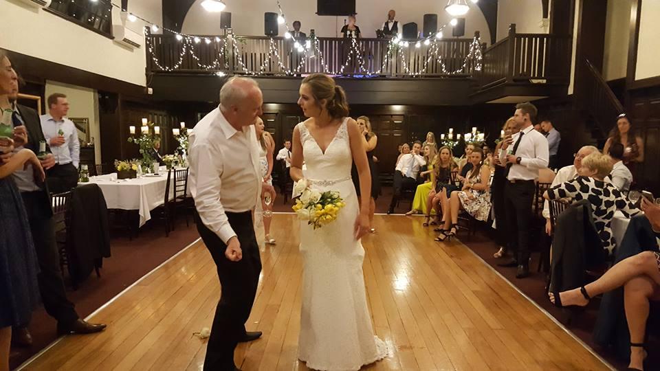 melbourne-yarra-valley-wedding-venue-Wattle-Park-Chalet-country-style-indoor-garden