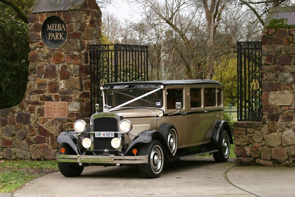 29 Vintage Limousines