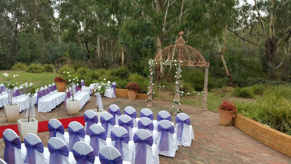 Rustic Wedding Venues in Melbourne - Bridges Restaurant - Parties2Weddings