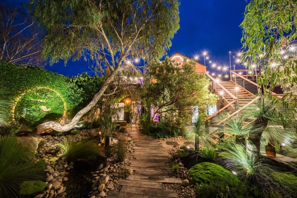 melbourne-yarra-valley-wedding-venue-Projekt3488-country-style-indoor-outdoor-garden
