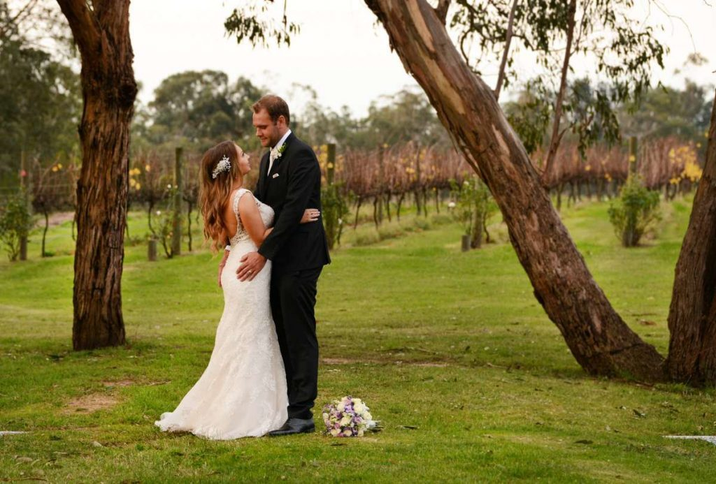 melbourne-yarra-valley-wedding-venue-Wild-Cattle-Creek-Estate-country-style-winery