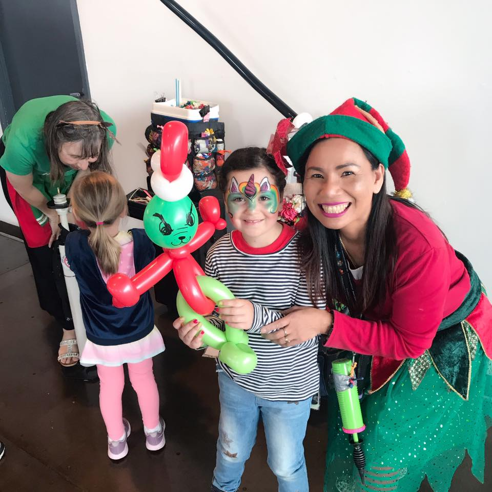 Melbourne-Face-Painting-Balloon-Twisting-Kids-Entertainer-Party-Time-With-Joy