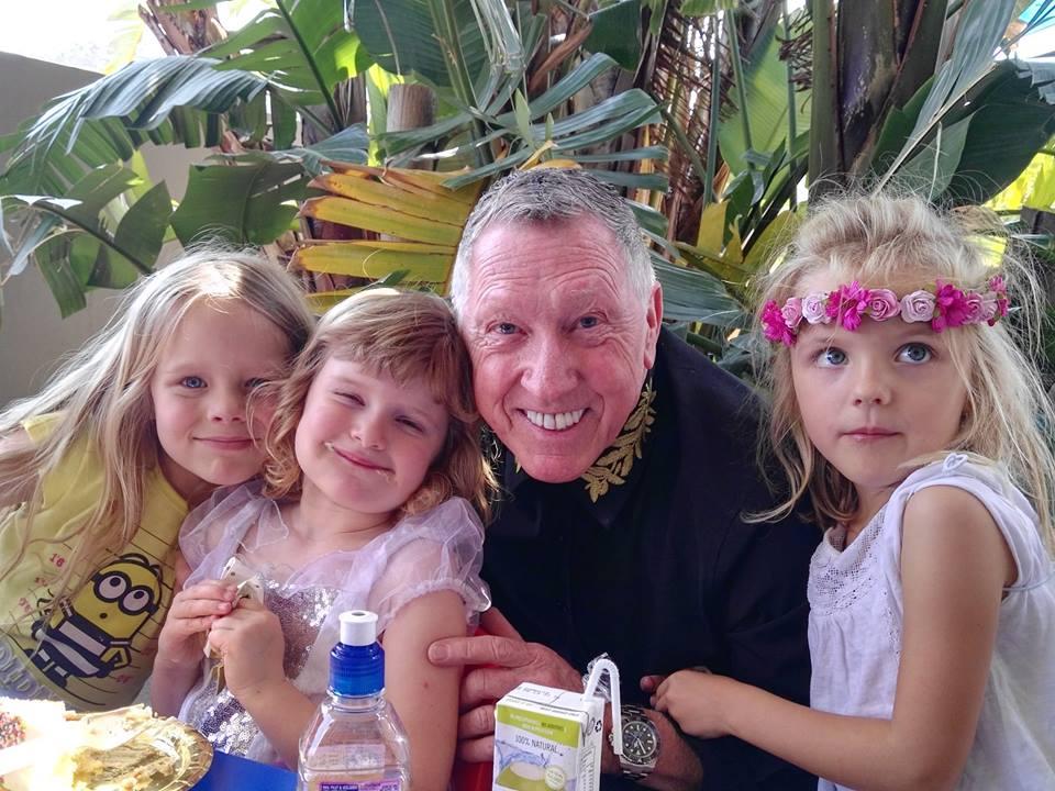 Magician Kids Entertainer, Sydney - Tonys Magic Show