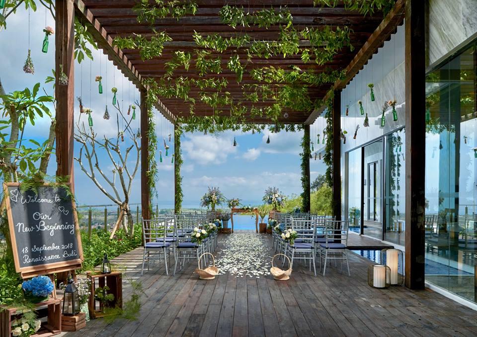 Bali Uluwatu Wedding Venue Renaissance Bali Uluwatu Resort & Spa Cliff Top ocean view