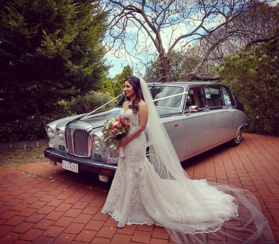 Melbourne-Wedding-Cars-Rolls-Royce-Daimler-State-Limousine-High-Marque-Classic-Vehicles