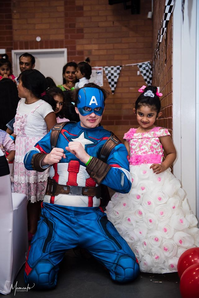 Melbourne-Face-painting-Balloon-Twisting-Disco-Kids-Entertainer-All-Fun-Parties