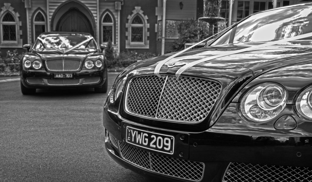 Melbourne-Limo-Hire-Bentley-Chrysler-10-seater-Bentley-Weddings