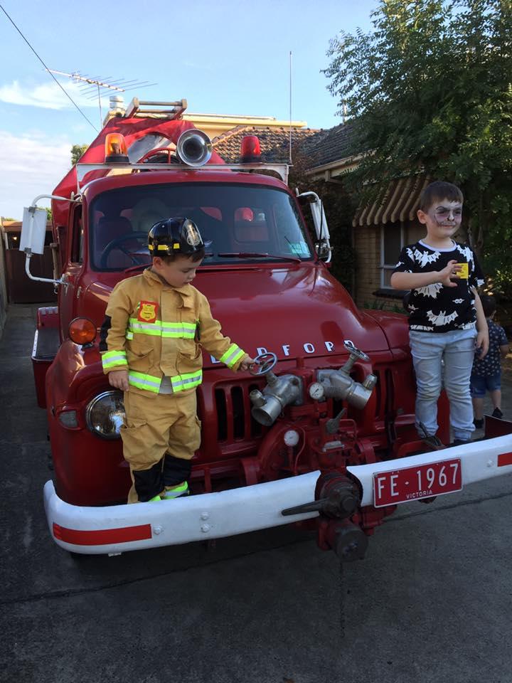 Melbourne-Theme-Party-Kids-Entertainer-Fire-Engine-Adventures