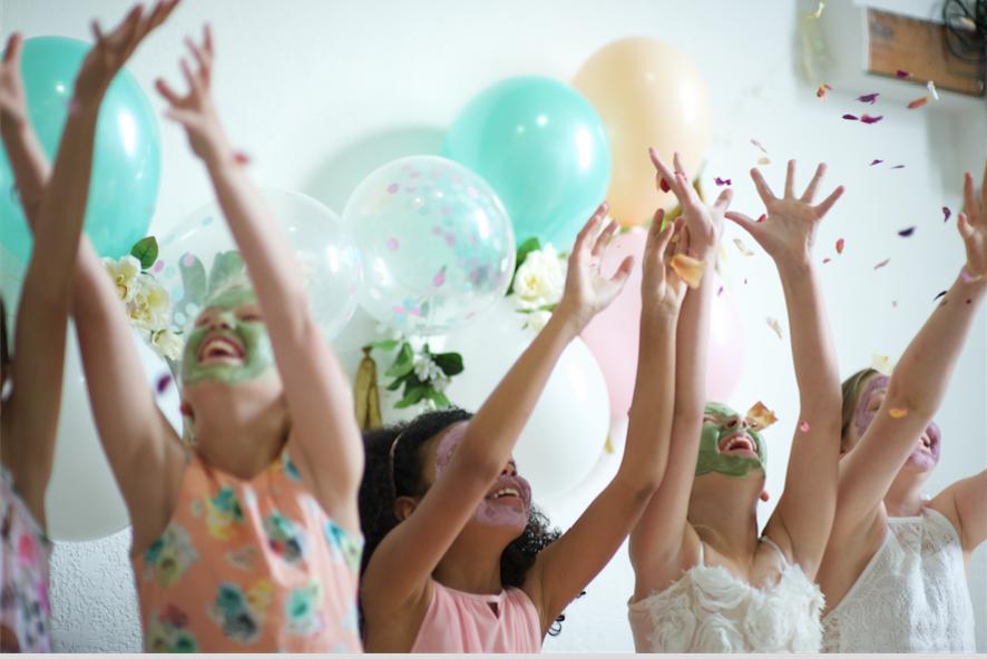 Melbourne-Pamper-Party-Kids-Entertainer-Petit-Powder-Room