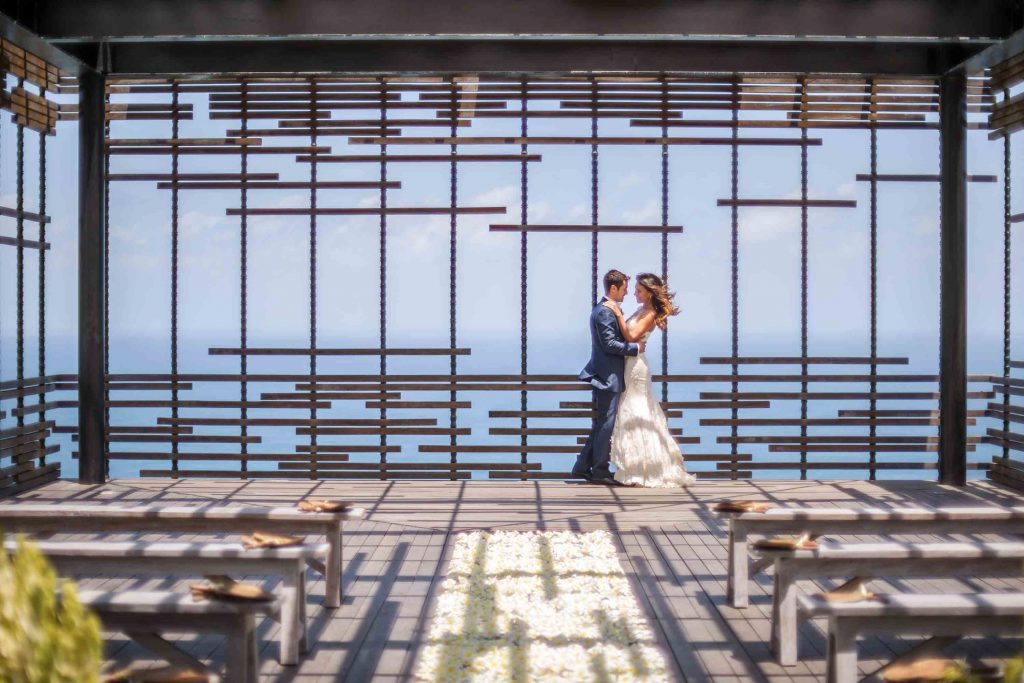 uluwatu-cliff-edge-cabana-wedding