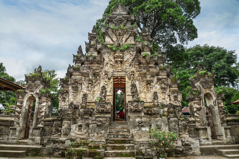 Romantic Anniversary Ideas at Hanging Gardens of Bali