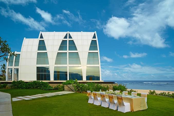 Majestic Chapel by the Beach at The Ritz Carlton Bali