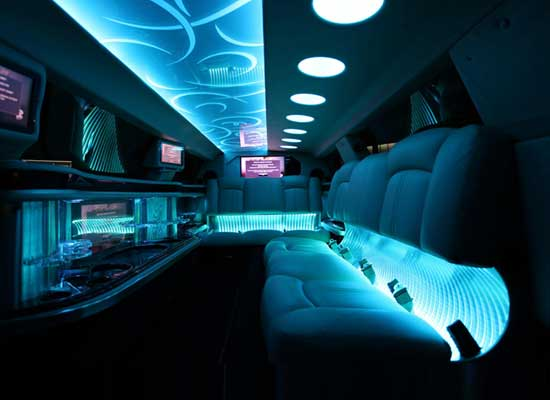 Love Limo - Melbourne - Parties2Weddings