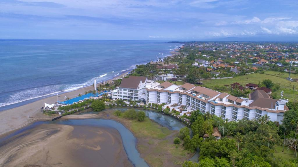 Lv8 Resort & Villas Honeymoon Package