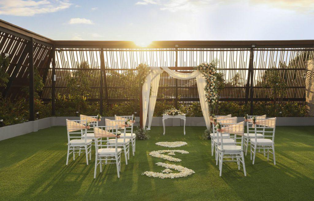 Bali Dynasty 5 Star Beach Resort Wedding Ceremony Package by Parties2Weddings
