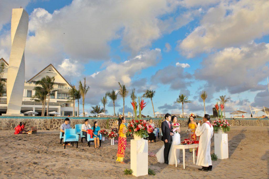 LV8 Resort Hotel 5 Star Beach Resort Wedding Ceremony Package by Parties2Weddings