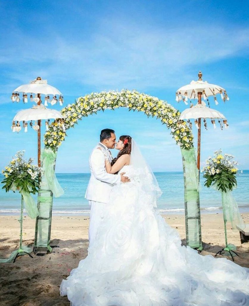Marry In The Privacy Of Your Own Villa