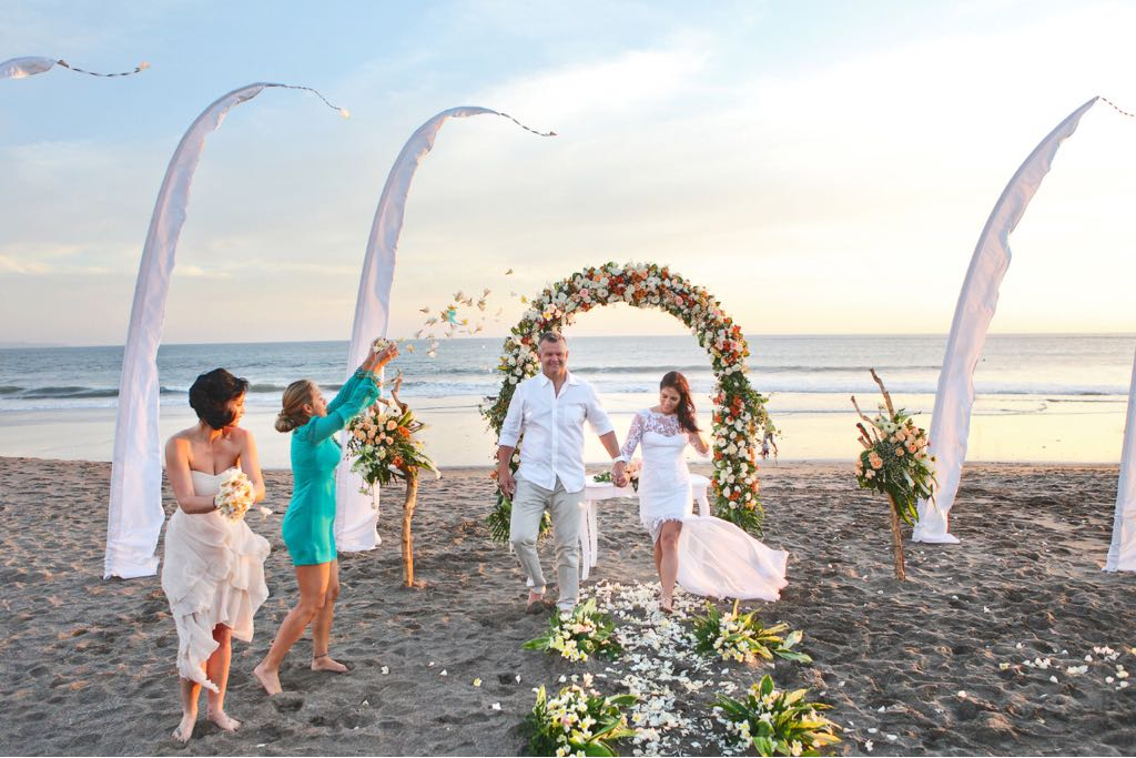 Top 5 bali wedding packages under aud 10k beach wedding at Lv8 Resort Canggu Bali Resort