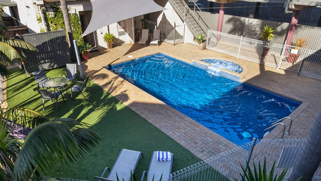 Moonlight Bay Apartments-Family Getaways