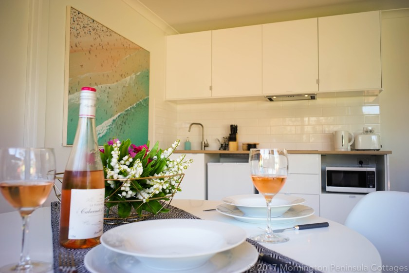 Honeymoon in Melbourne - Mornington Peninsula-The Dolphin Cottage - Parties2Weddings
