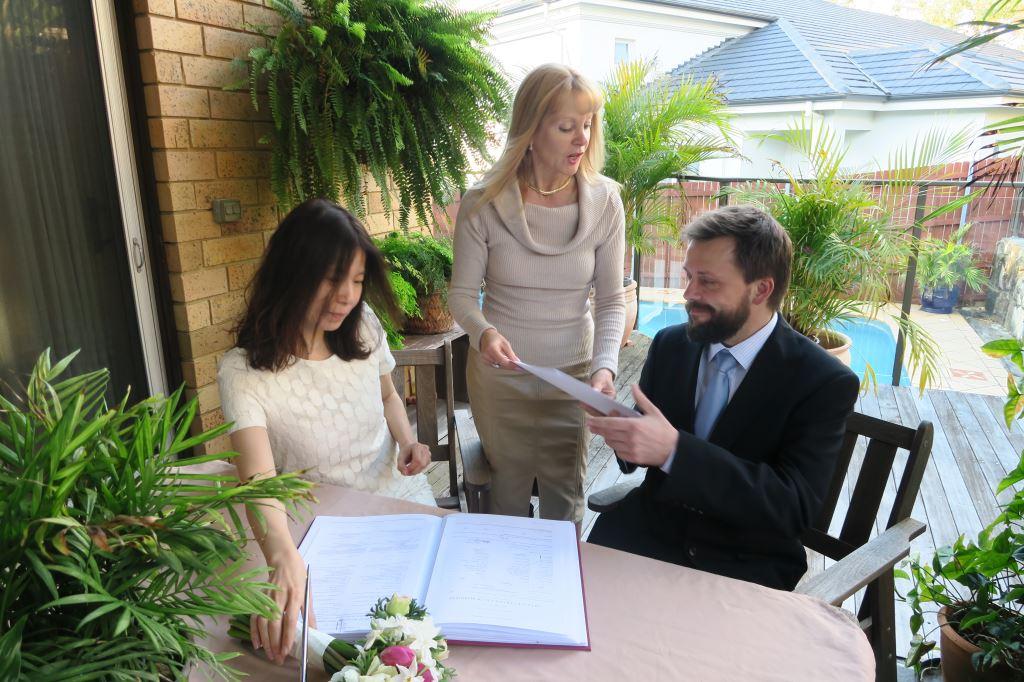 Sydney Wedding Celebrant Orna Binder Wedding Celebrant - OB Budget and Affordable Wedding Ceremony