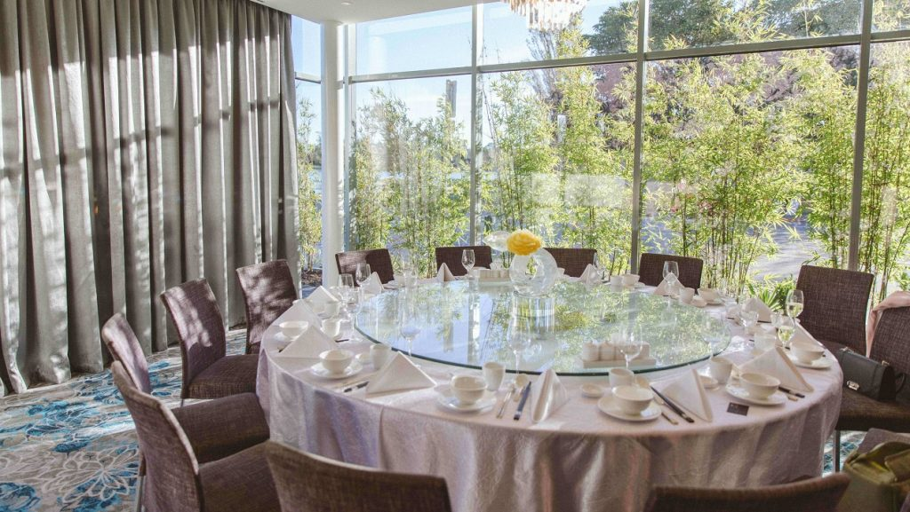 melbourne-Albert-Park-wedding-venue-Sun-Kitchen-at-The-Point