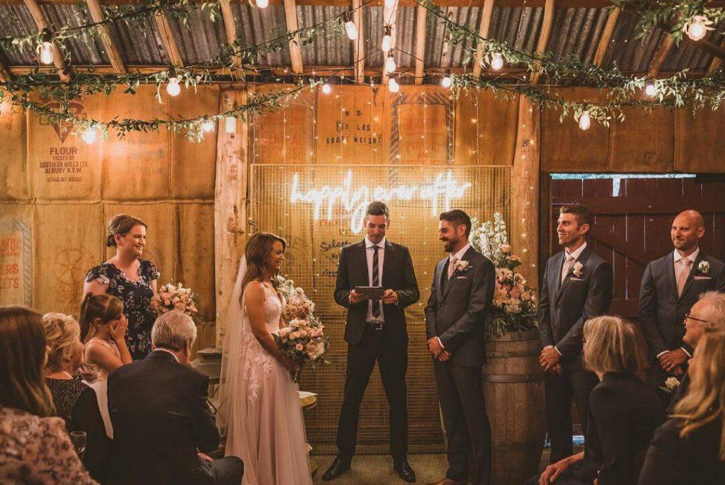 Best Rustic Barn Wedding Venues - Baxter Barn - Parties2Weddings